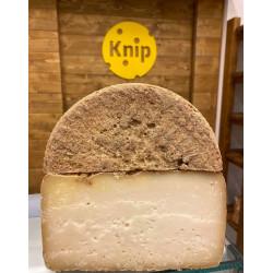Ovčí syr s orechovým likérom